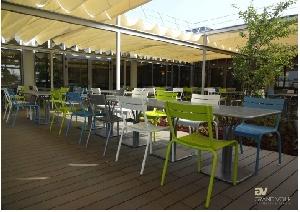 Couverture de terrasse pour restaurants en toile rétractable ...